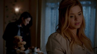 Watch Pretty Little Liars Season 7 Episode 16 - The Glove That Rocks...Online