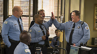 Watch Mike & Molly Season 6 Episode 4 - Super Cop Online