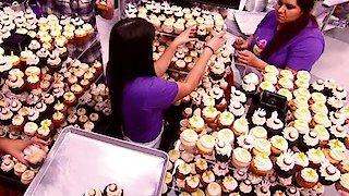 Watch Cupcake Wars Season 9 Episode 13 - Comedy Cupcakes Online