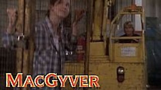 Watch MacGyver Season 7 Episode 10 - Split Decision Online