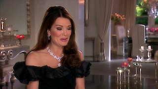 Watch The Real Housewives of Beverly Hills Season 8 Episode 7 - Birthday Fever Online