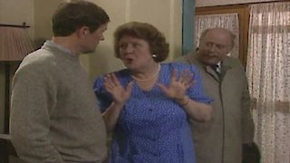 Watch Keeping up Appearances Season 2 Episode 1 - A Strange Man Online