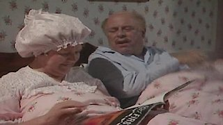 Watch Keeping up Appearances Season 2 Episode 10 - A Picnic For Daddy Online