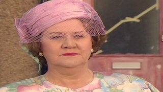 Watch Keeping up Appearances Season 1 Episode 6 - Keeping Up Appearanc... Online