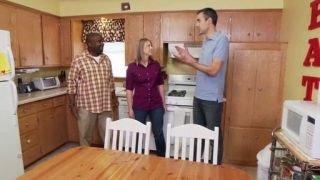 Watch I Hate My Kitchen Season 4 Episode 7 - Reinventing a Modern... Online