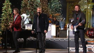 Watch CMA Country Christmas Season 1 Episode 7 - CMA Country Christma... Online