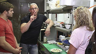 Watch Restaurant: Impossible Season 12 Episode 6 - Holiday: Impossible Online