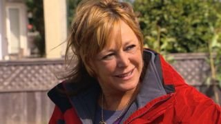 Watch Secret Millionaire Season 3 Episode 10 - Debbie Johnston: Ric... Online