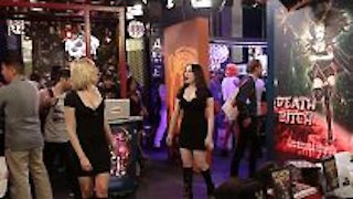 Watch 2 Broke Girls Season 5 Episode 11 - And the Booth Babes Online
