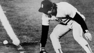 Watch Baseball: A Film by Ken Burns Season 1 Episode 11 - The Tenth Inning - B... Online