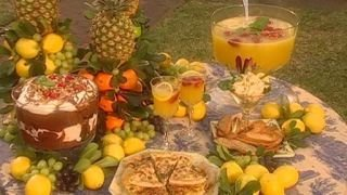 Watch Paula's Home Cooking Season 5 Episode 1 - Garden Party Online