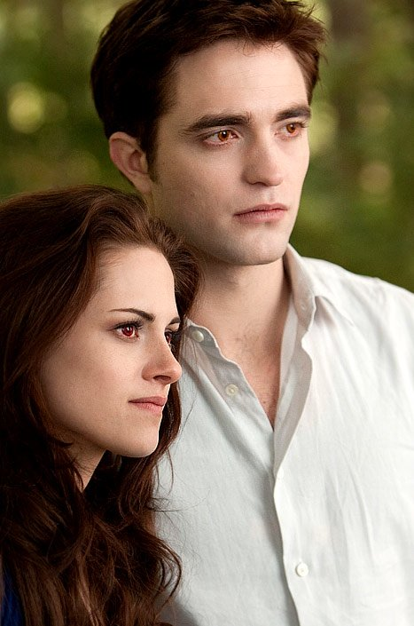 New 'Breaking Dawn Part 2' Poster: First Photo of the Vampire Couple
