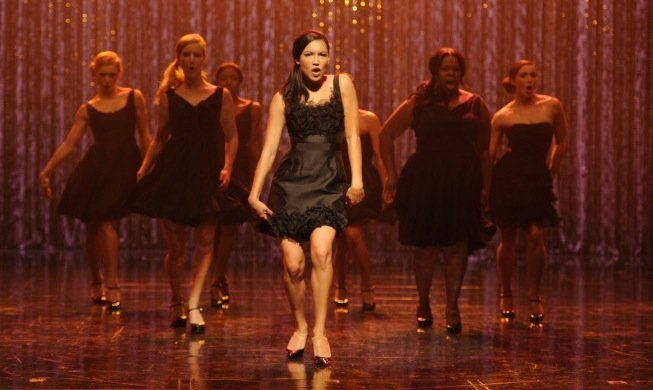 Watch Tonight's 300th 'Glee' Musical Performance: An Adele Mash-Up (VIDEO)