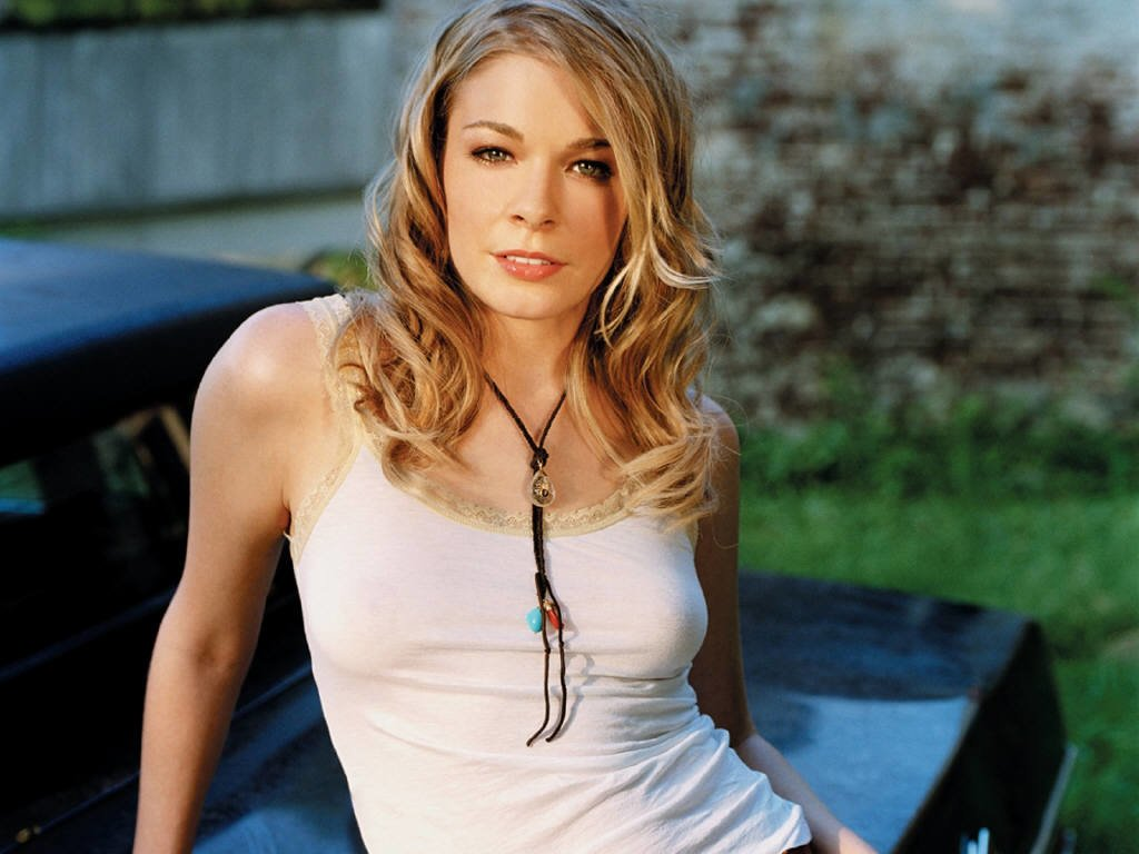 LeAnn Rimes to Star in New CMT Made-For TV Movie Endeavor