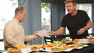 Watch Hotel Hell Season 3 Episode 7 - Beachfront Inn & Inl...Online