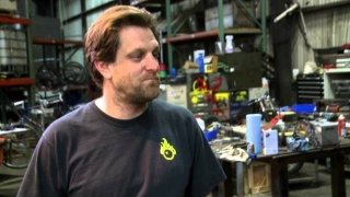Watch Oddities: San Francisco Season 2 Episode 8 - One Bot Two Bot Online