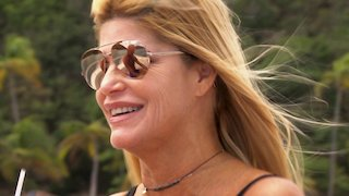 Watch Below Deck Season 4 Episode 10 - Bombed by a Care Bea... Online