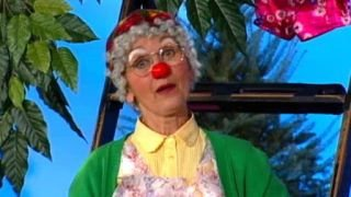 Watch The Big Comfy Couch Season 7 Episode 20 - Clown in the Round Online