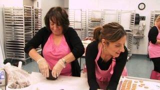 dc cupcakes season 1 episode 2