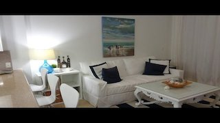 Watch Beachfront Bargain Hunt Season 17 Episode 16 - Room for Everyone in...Online