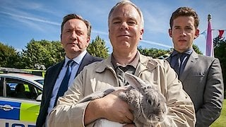 Watch Midsomer Murders Season 19 Episode 4 - Red in Tooth & Claw Online