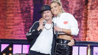 Watch Lip Sync Battle Season 3 Episode 25 - David Spade vs. Nina... Online