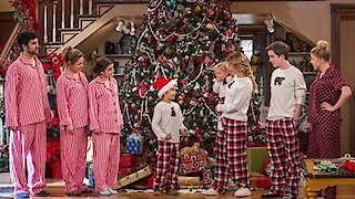 Watch Fuller House Season 2 Episode 12 - Nutcrackers Online