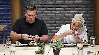 Watch Worst Cooks in America Season 12 Episode 7 - Sausage Party Online