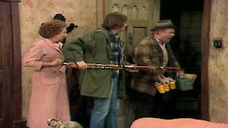 Watch All in the Family Season 4 Episode 22 - Gloria Sings the Blu... Online