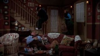 Watch The King of Queens Season 8 Episode 7 - Inn Escapable Online