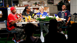 Watch Martha & Snoop's Potluck Dinner Party Season 1 Episode 7 - They Got Game Online