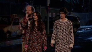 Watch Victorious Season 2 Episode 11 - Terror on Cupcake Street
