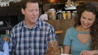 Watch Incredible Edible America with the Dunhams Season 1 Episode 1 - Austin's Craziest Cu... Online