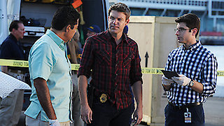 Watch The Glades Season 4 Episode 10 - Gallerinas Online