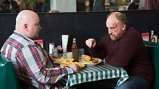 Watch Louie Season 5 Episode 4 - Bobby's House Online