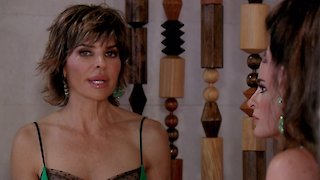 Watch The Real Housewives of Beverly Hills Season 7 Episode 11 - Backed Into a Corner...Online