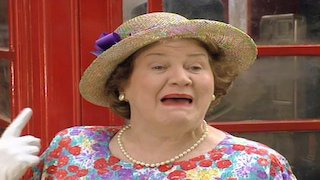 Watch Keeping up Appearances Season 5 Episode 8 - Keeping Up Appearanc... Online