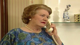 Watch Keeping up Appearances Season 5 Episode 10 - Keeping Up Appearanc... Online