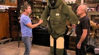 Watch Auction Kings Season 4 Episode 18 - Bomb Squad Suit WWI....Online