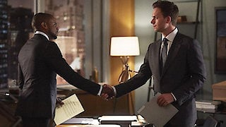 Watch Suits Season 7 Episode 2 - The Statue Online