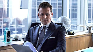 Watch Suits Season 6 Episode 13 - Teeth Nose Teeth Online